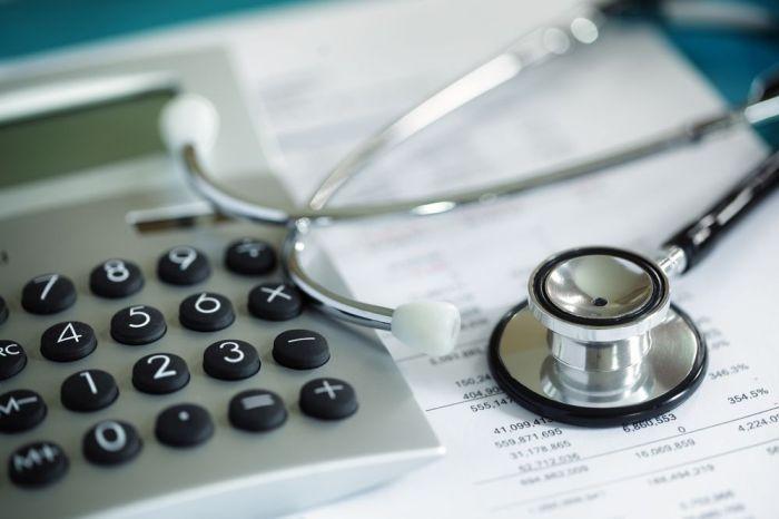 Минздрав определил медучреждения с правом расходования средств НСЗ на зарплаты
